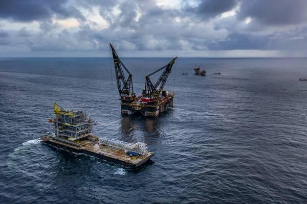 Heerema's giant vessel installs Cassia platform for BP – gallery